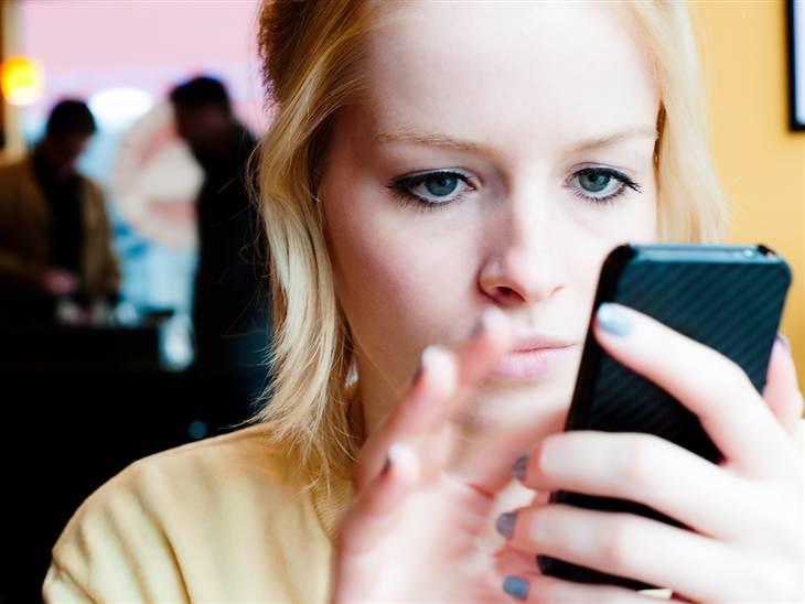 teen smartphone