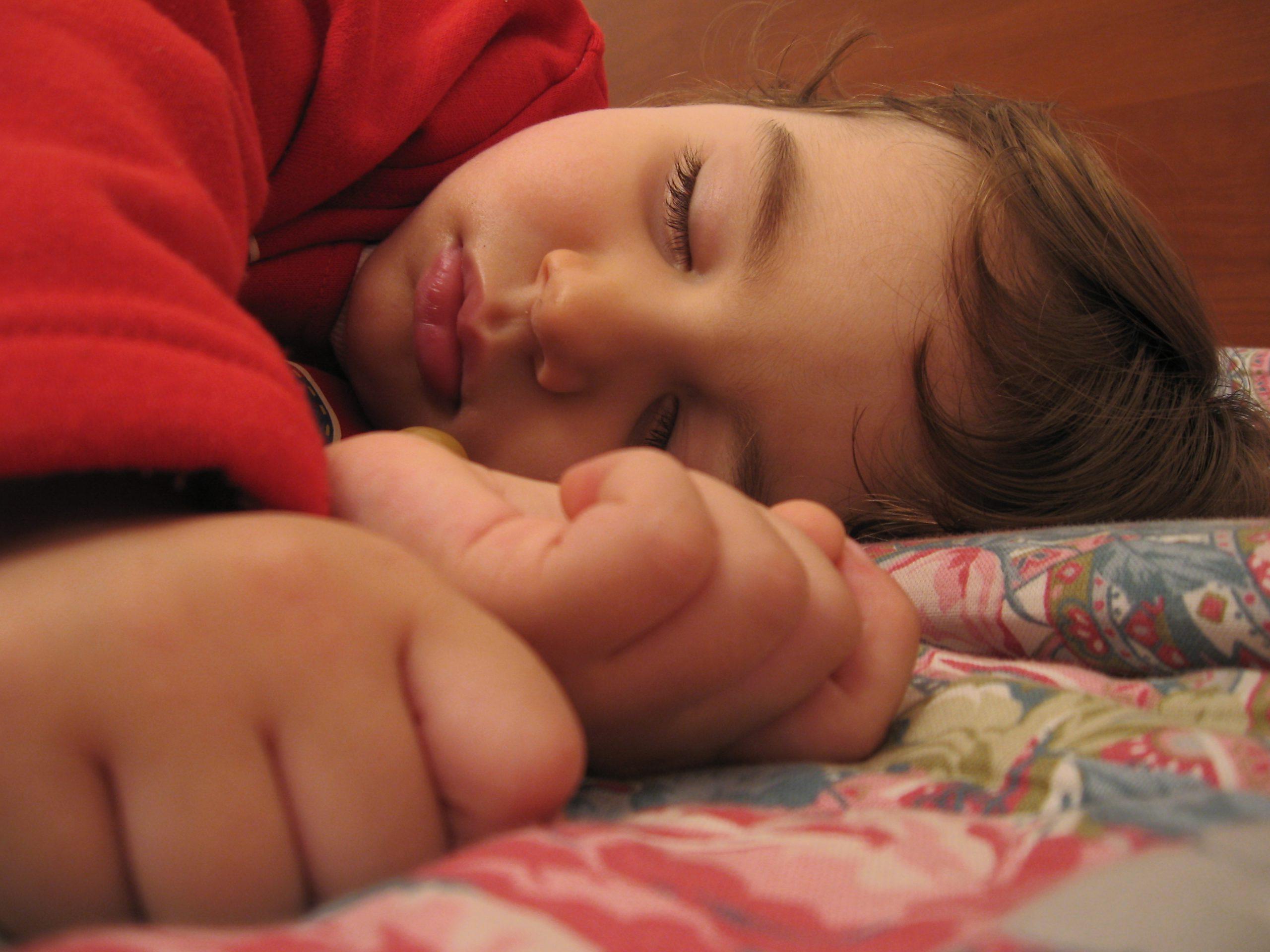 child sleepw scaled