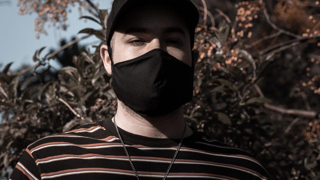 200805211827_man-mask-1280x720-1