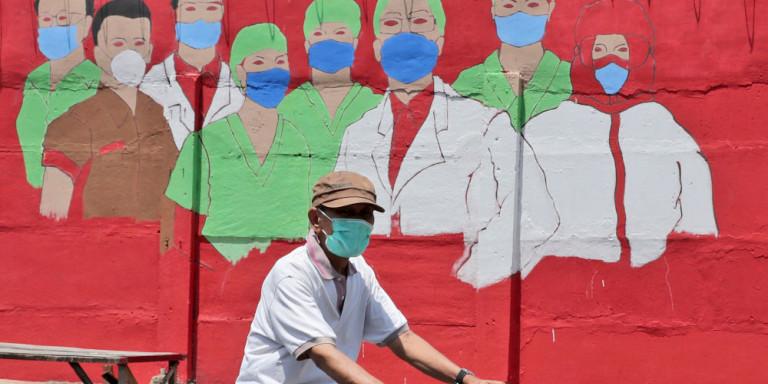 graffitti-giatroi-nosokomoi-maskes-koronoios