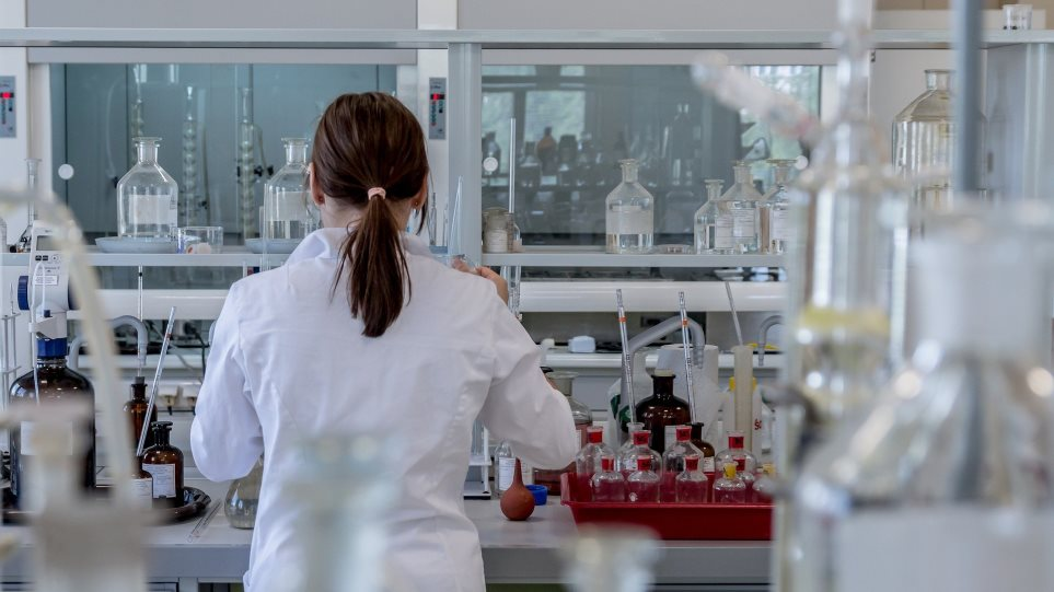 201214095302_laboratory